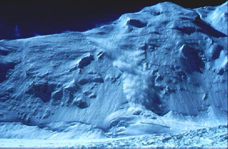 Allau de neu pols, zona de l'Everest. (Foto: Albert Castellet)